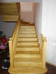 Лестницы из натурального дерева для дома под заказ в Запорожье