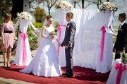 Свадебное платье для нежной невесты с небольшим шлейфом